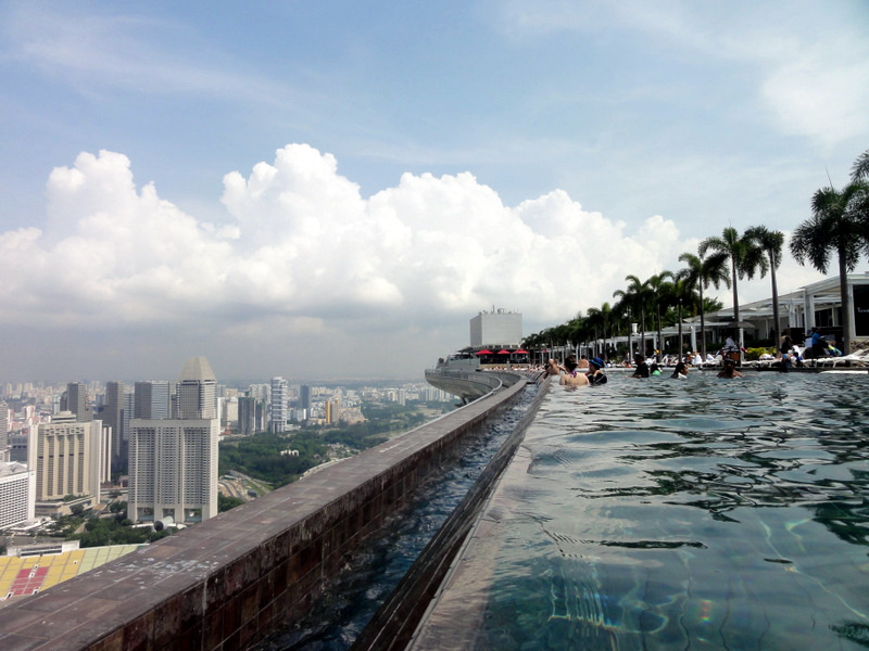 infinity pool singapore marina bay sands skypark sightseeing experience 30080